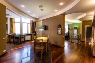 аренда стильной 5-комнатной квартиры в Петродворце С-Петербург