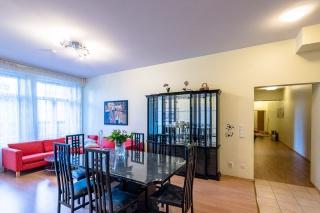 просторная современная 4-комнатная квартира в аренду в центре С-Петербург