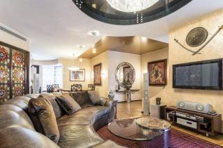 аренда классической 3-комнатной квартиры в элитном доме С-Петербург