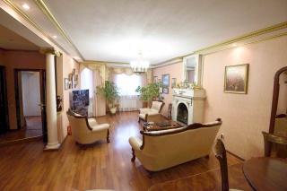 просторный элегантный 6-комнатный таунхаус в аренду в Пушкине С-Петербург