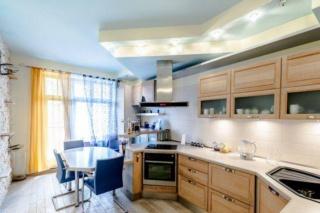 авторская 2-комнатная квартира в аренду в элитном доме С-Петербург