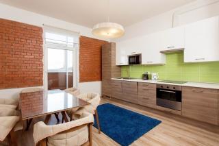 просторная 3-комнатная квартира с балконом в аренду в элитном доме Санкт-Петербург