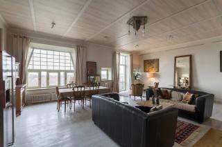 арендовать классическую 5-комнатную квартиру С-Петербург