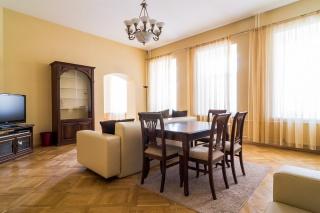 аренда 4-комнатной квартиры ул. Большая Московская д. 8 Санкт-Петербург