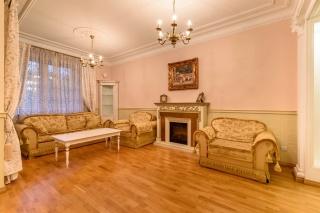 аренда недвижимости с паркингом в историческом центре С-Петербург