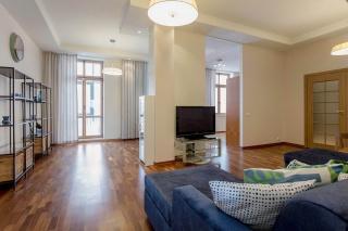 аренда 4-комнатной квартиры на Крестовском острове С-Петербург
