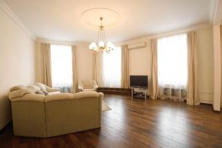 арендовать просторную квартиру в центре Санкт-Петербург
