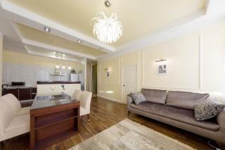 арендовать 3-комнатную квартиру на Невском проспекте С-Петербург