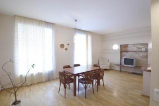аренда 4-комнатной квартиры в центре С-Петербург