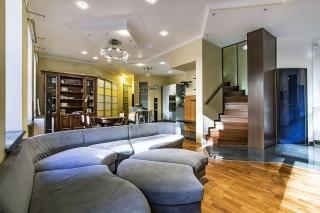 арендовать 5-комнатную квартиру около Таврического сада С-Петербург