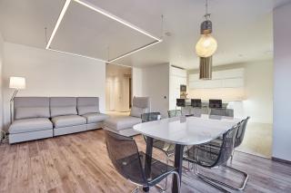 арендовать дизайнерскую 5-комнатную квартиру в элитном доме С-Петербурга