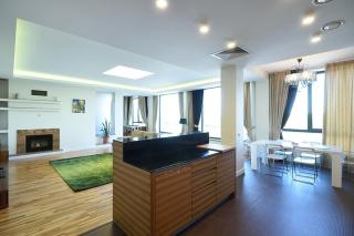 сниму 4-комнатную квартиру в элитном доме С-Петербург