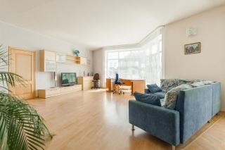 снять 2-комнатную квартиру на Крестовском проспекте Санкт-Петербург