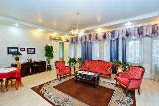 снять классическую 5-комнатную квартиру в историческом центре С-Петербурга