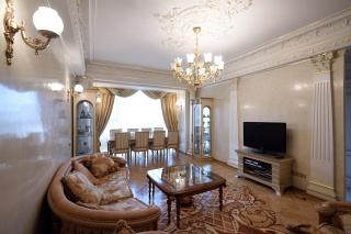 сниму недвижимость с балконом Варшавская улица СПБ
