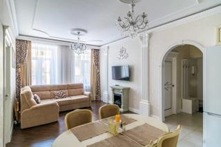 арендовать 3-комнатную квартиру в самом центре С-Петербурга