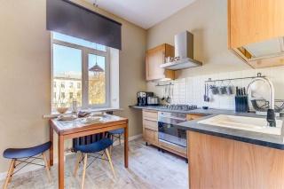 аренда элитной квартиры с балконом на Диагональной улице С-Петербург