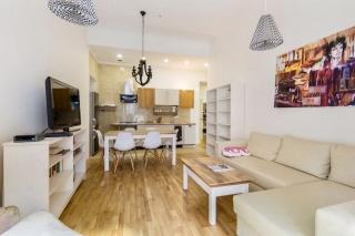 арендовать 3-комнатную квартиру в самом центре Санкт-Петербурга