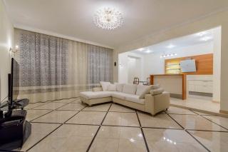 арендовать 3-комнатную квартиру Крестовский остров Санкт-Петербург