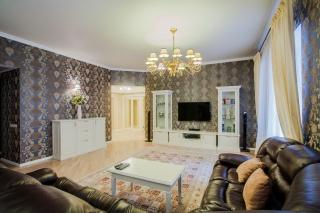 снять классическую 4-комнатную квартиру в самом центре Санкт-Петербурга