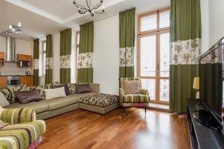 снять 4-комнатную квартиру на Крестовском острове Санкт-Петербург