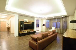арендовать 4-комнатную квартиру в элитном доме Санкт-Петербург