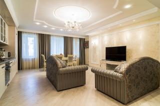 снять просторную 3-комнатную квартиру в историческом центре С-Петербург