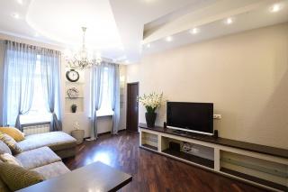 аренда 2-х комнатной квартиры ул. Верейская 30-32 Санкт-Петербург