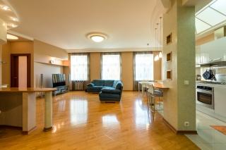 аренда 3-комнатной квартиры с паркингом элитный дом ул. Жуковского 47 СПБ
