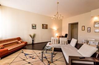 сдать видовую 3-комнатную квартиру в центре С-Петербург